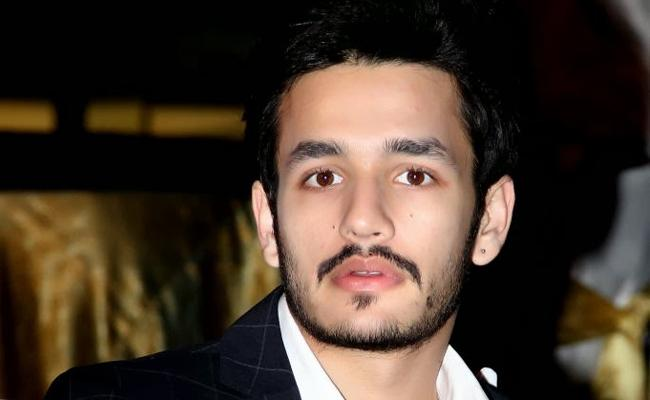 Akhil Akkineni About His Smoking Habit - Sakshi