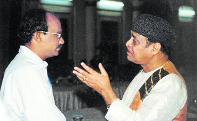 Bhupen Hazarika Participated In Eastern Programs - Sakshi