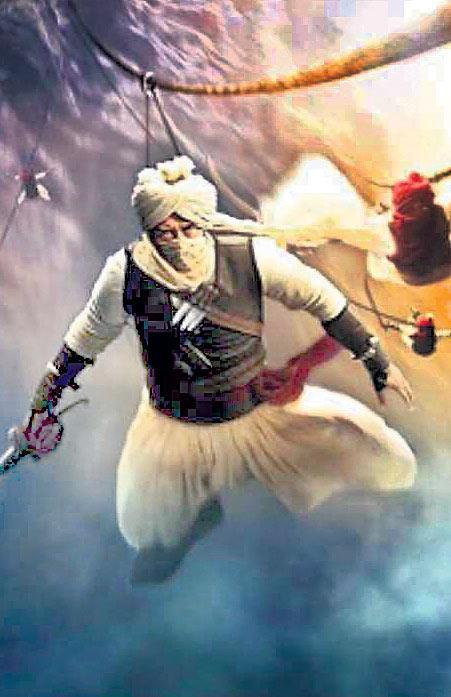 Saif Ali Khan To Star In Ajay Devgns Tanaji - Sakshi