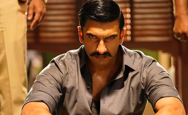 Ranveer Singh Simmba Collected 150 Crores In One Week - Sakshi