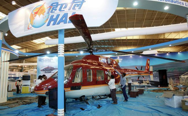 Broke HAL borrows Rs 1,000 crore to pay salaries to employees - Sakshi