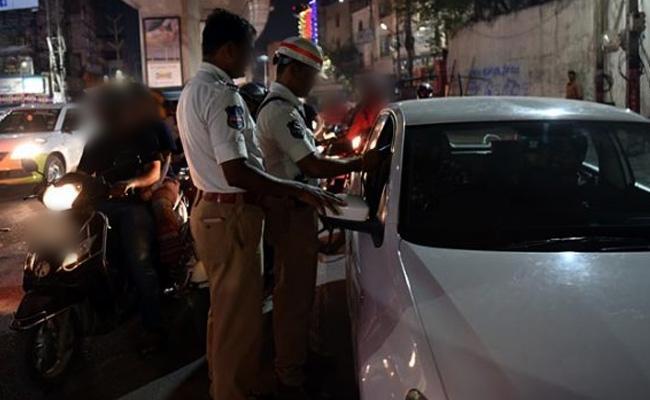 Court Sentenced 405 People Jail Drunk And Drive - Sakshi