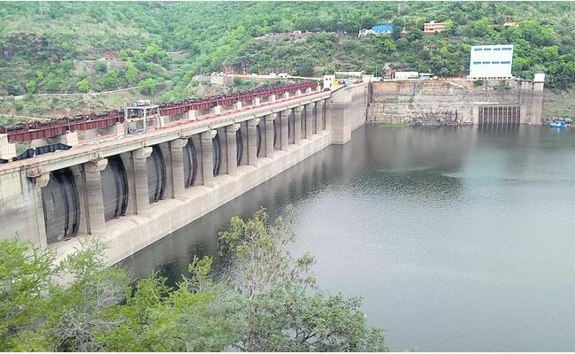 Water In Srisailam Dam Decreasing Gradually - Sakshi