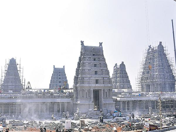 Rebuilding the yadadri temple is According to Architecture and agamasastra - Sakshi