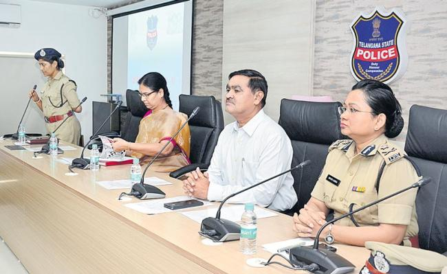 Operation Smile launch on CID Additional DGP Govind Singh - Sakshi