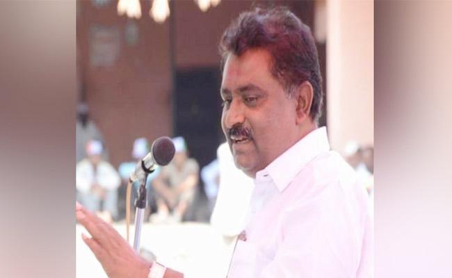 Maharashtra BJP MLC Controversial Comments On Bihar Migrants - Sakshi