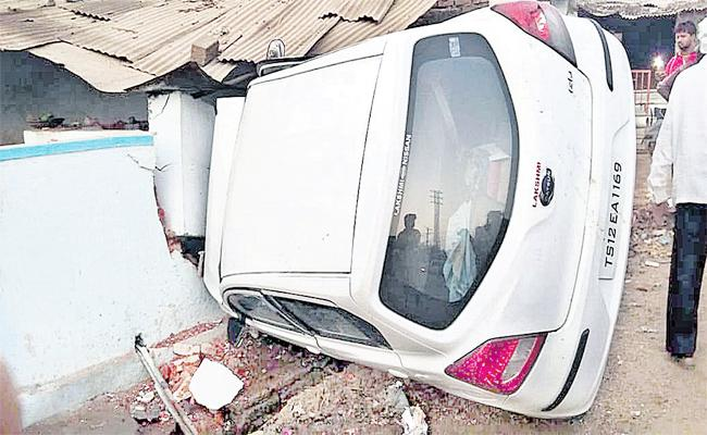 Car Accidents With Drunk And Drives in Hyderabad - Sakshi
