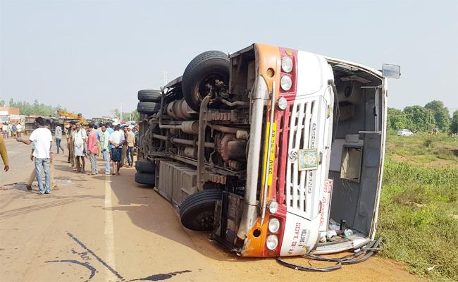 Lorry Accident in PSR nellore - Sakshi