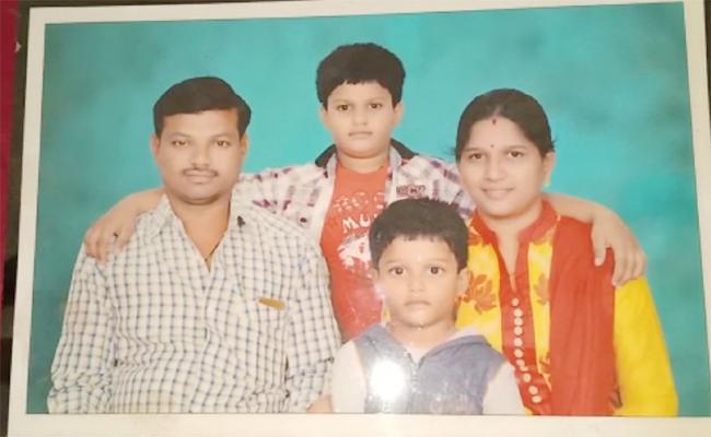 Wife And Doctor Arrest in Husband Kidnap Case Prakasam - Sakshi