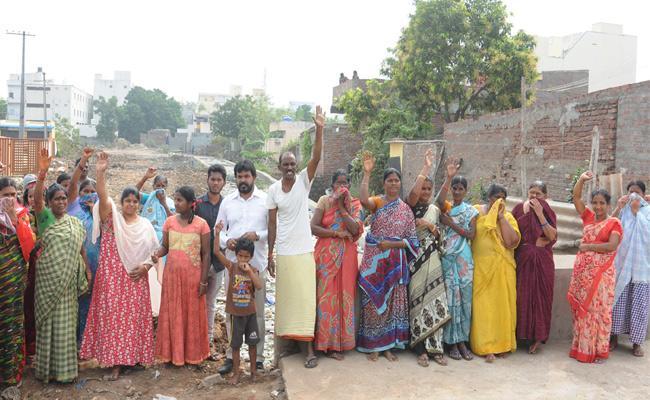 Drainage Canal Problems In Prakasam - Sakshi