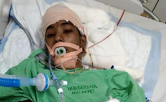Madhulika gets Treatment in ICU - Sakshi