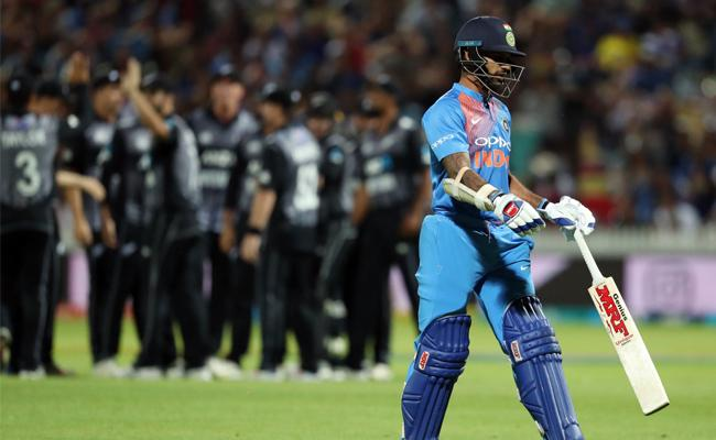 New Zealand beats India, Won The Series - Sakshi