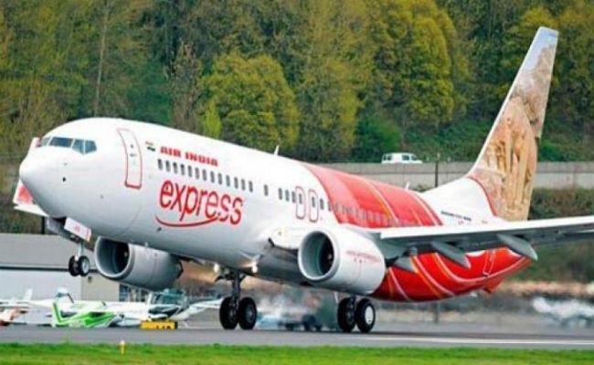 Air India ExpressPassengers Suffer Nasal Bleeding due to Pressurisation Problem - Sakshi