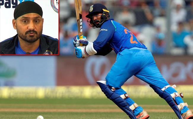 Harbhajan Felt Karthik Not Taking The Single Might Have Cost India The Game - Sakshi