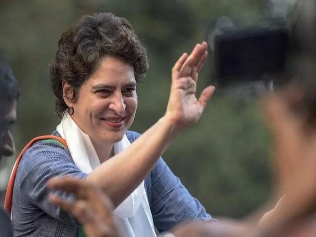 PriyankaGandhi Vadra is Now on Twitter - Sakshi