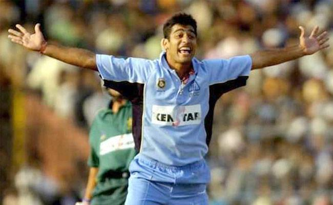 Former India Cricketer Amit Bhandari Attacked, Admitted To Hospital - Sakshi