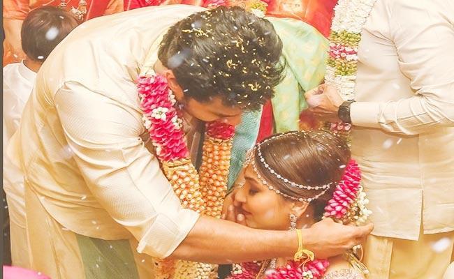Soundarya Rajinikanth Shared Her Wedding Photos - Sakshi