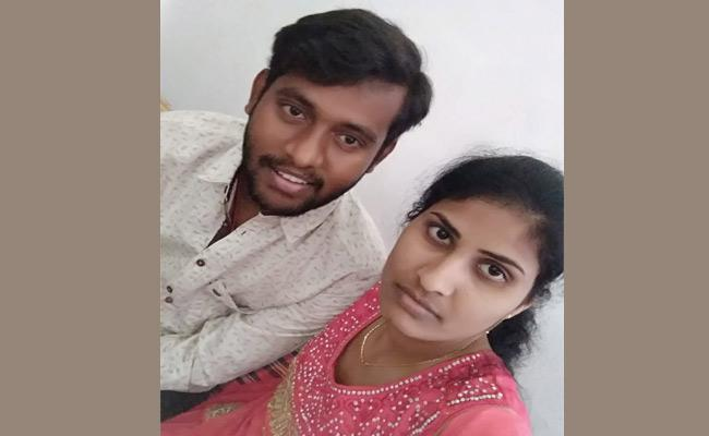 Girl Commits Suicide After Failure In Love At Velgatur Dharmaram - Sakshi
