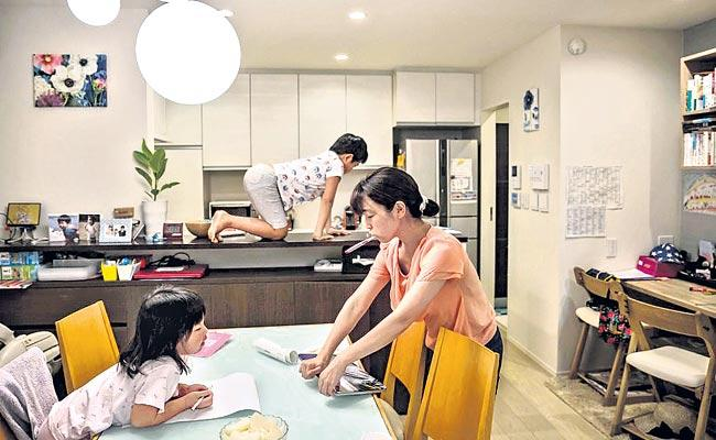 The government is seeking more work from women in Japan - Sakshi
