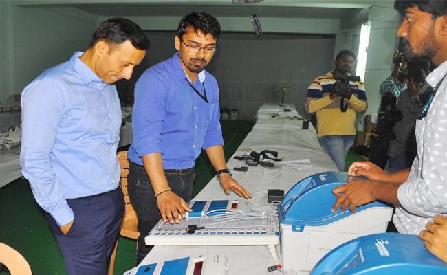 Colelctor Praveen Kumar Team Redy For Elections - Sakshi