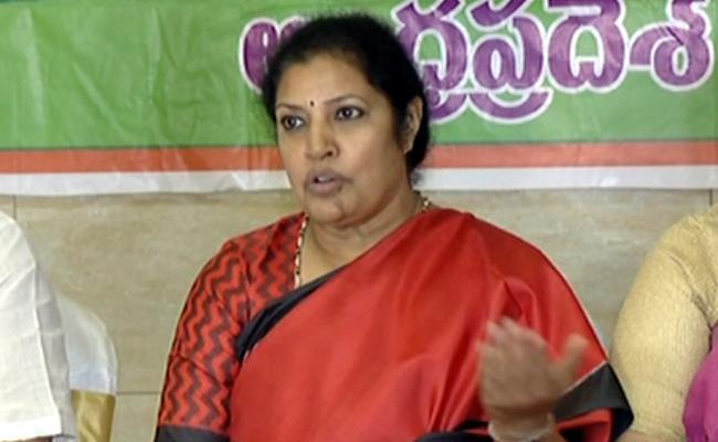 BJP Leader Purandeswari Fires On CM Chandrababu Naidu - Sakshi