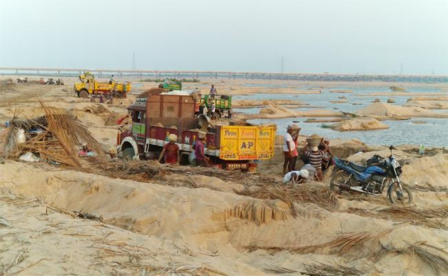 Sand Mafia in East Godavari - Sakshi