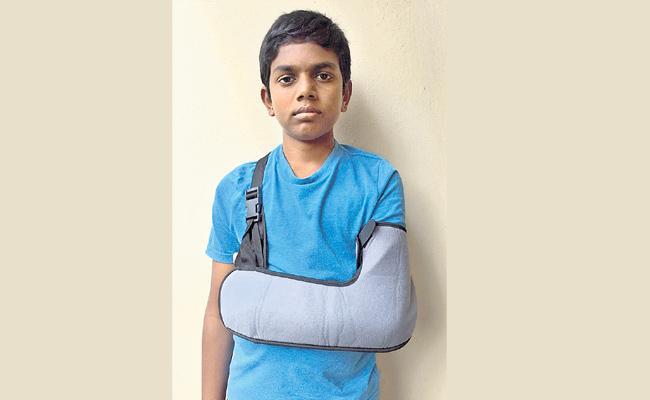 Hostel Warden Beaten Ninth Class Student in Hyderabad - Sakshi