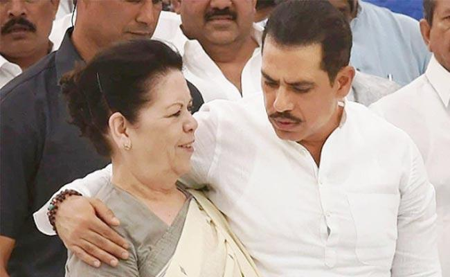 Robert Vadra Emotional Post On ED Questioning of His Mother - Sakshi