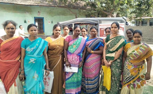 Pasupu Kunkuma Scheme Cheques Delayed in East Godavari - Sakshi