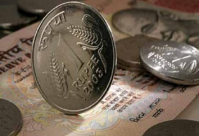 Rupee Gains 26 Paise Against Dollar in Opening Trade - Sakshi