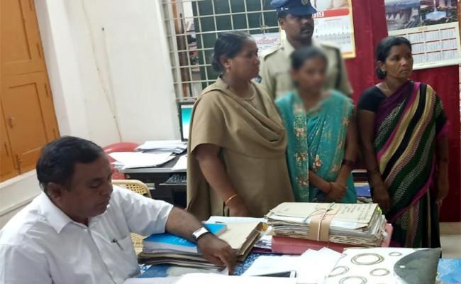 Student Missing Case happy Ending in Chittoor - Sakshi