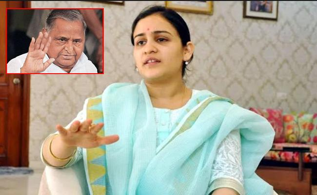 Aparna Yadav Defends Mulayam Comments on modi - Sakshi