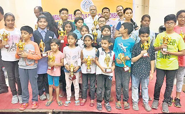 Sridhan, Asmita Won Chess Titles - Sakshi