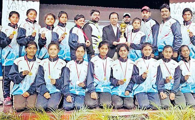 Telangana Softball Team Got Title - Sakshi