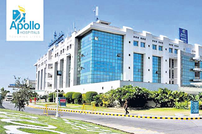 Apollo Hospitals founders may exit Apollo Munich Health Insurance - Sakshi