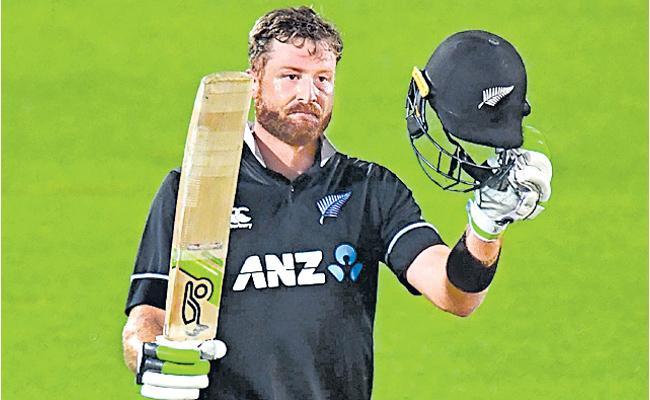 Attrition in batting helps NZ win, believes Guptill - Sakshi