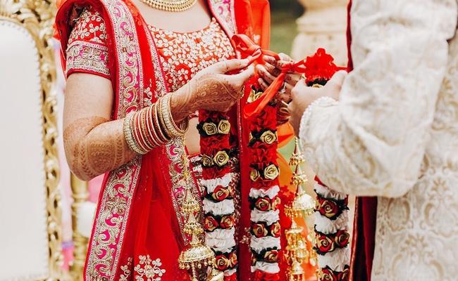 Bride Cheated Groom in Tamil Nadu - Sakshi