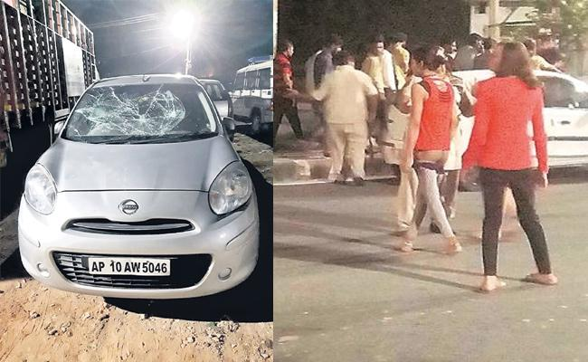 Hijras Attack on Two Men And Car in Hyderabad - Sakshi
