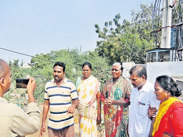 Doubts over the manner of the police in the murder case of Jyothi - Sakshi