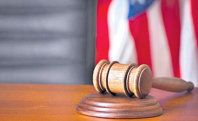 American Court Allows Farmington University Victims To Go India - Sakshi