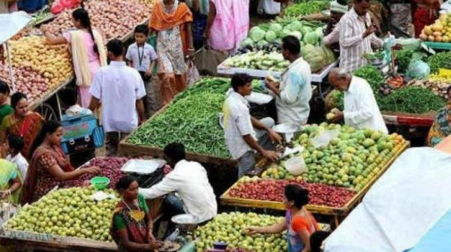 January WPI inflation eases to 10month low of 2.76 percent - Sakshi