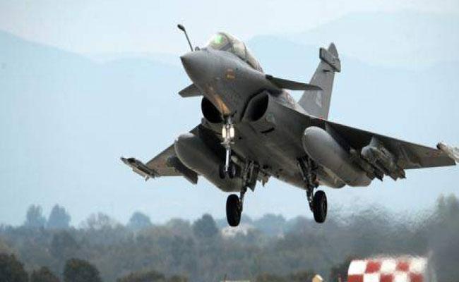 CAG Report On Rafale Deal Says NDA Govt Deals 2.86 Percent Cheaper - Sakshi