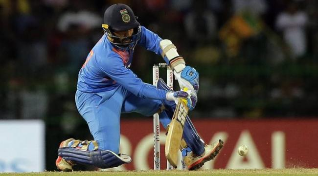 Fans Fire on Dinesh Karthik Dropped from Team Selections - Sakshi