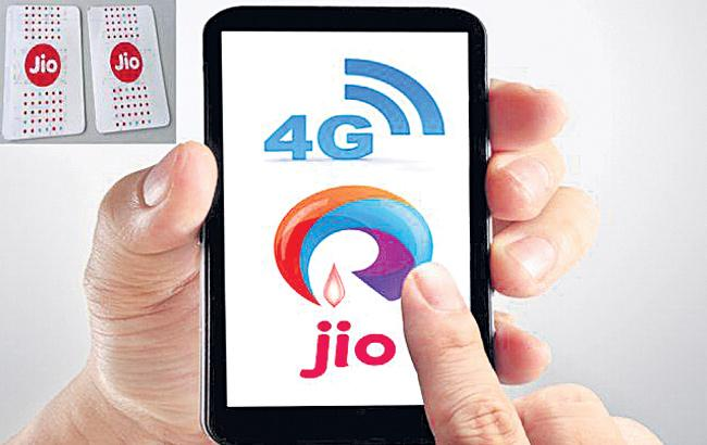Jio tops 4G download speed chart in January, Idea fastest in upload speed: Trai   - Sakshi