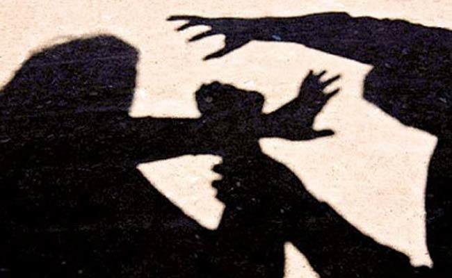 Teacher Molested Student In Warangal - Sakshi