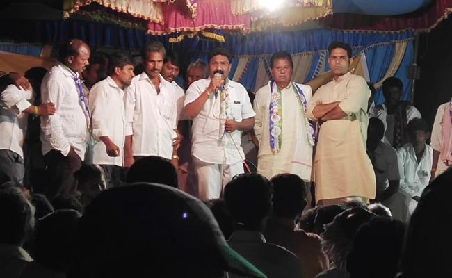 YSRCP MLA Suresh Slams Chandrababu Over Development In Prakasham - Sakshi
