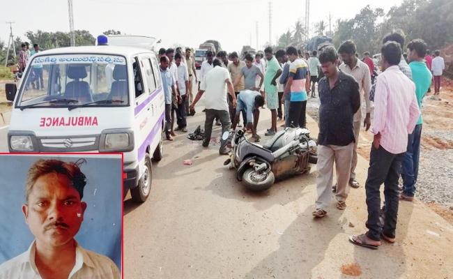 Arabindo Worker Died in Bike Accident - Sakshi