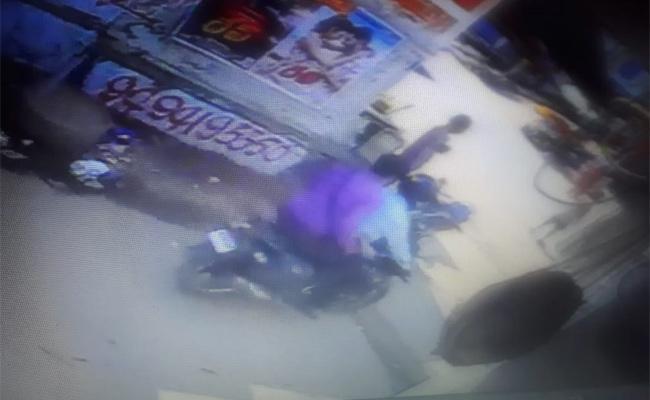 Gold Chain Robbery Gang in Srikakulam - Sakshi
