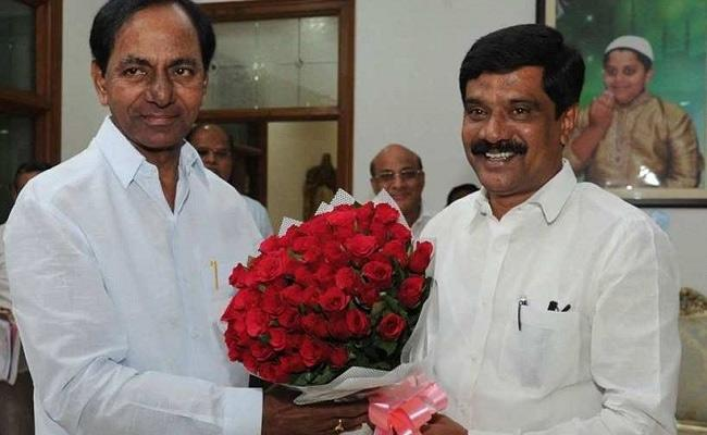 KCR Likely To Induct Vemula Prashanth Reddy As Minister - Sakshi