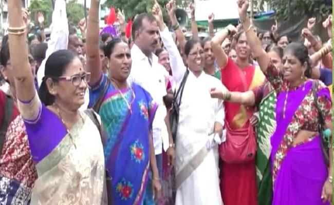 Anganwadi Workers Benefit With 2019 Union Budget - Sakshi